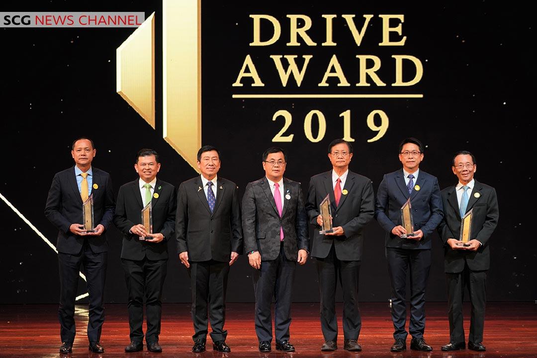 ผู้ได้รับรางวัลทั้ง 5 องค์กรในกลุ่มอุตสาหกรรมอสังหาริมทรัพย์และก่อสร้าง