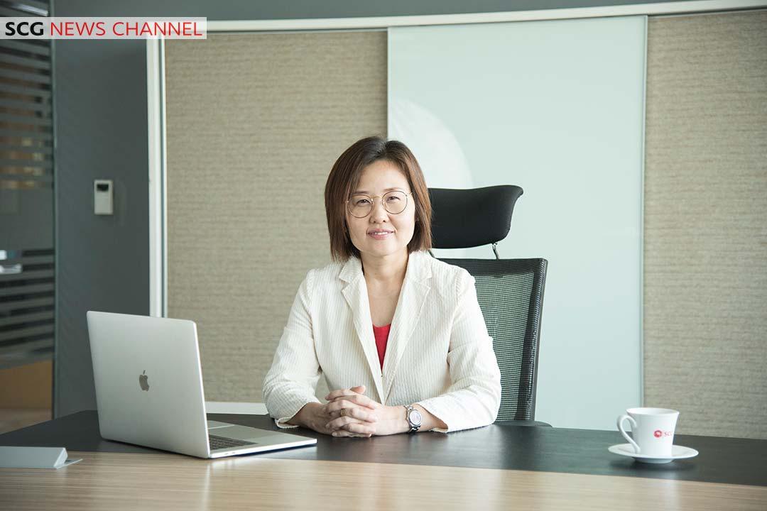 นางสาวปรวรรณ มหัทธนะสุข Customer and Brand Management Director ธุรกิจซีเมนต์และผลิตภัณฑ์ก่อสร้าง เอสซีจี